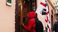 La Casa del Papel sbarca in Sardegna e attacca il Mater Olbia